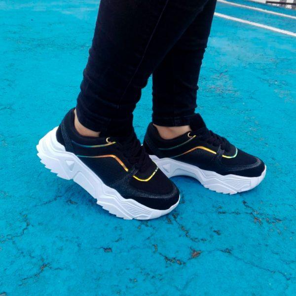 Zapatos tennis sneakers en color negro y lila. Zapatos Mujer. Calzado Espia, Fabricante de zapatos para Mujer. Tienda virtual Colombia